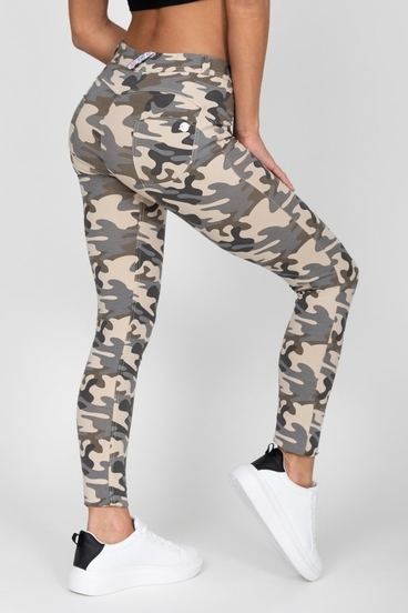 Hugz Camo Light Mid Waist Jegging