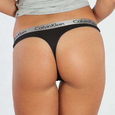 Calvin Klein Tanga Radiant Černá