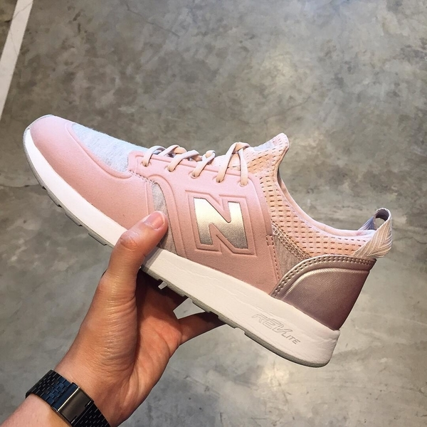 New Balance WRL420SE Pink, 7,5 - 3